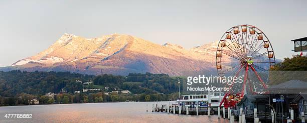 Lake Lucerne panorama mit amusement park und Alpen Berge
