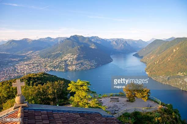 ルガーノ湖(スイス) - スイス ルガーノ ストックフォトと画像