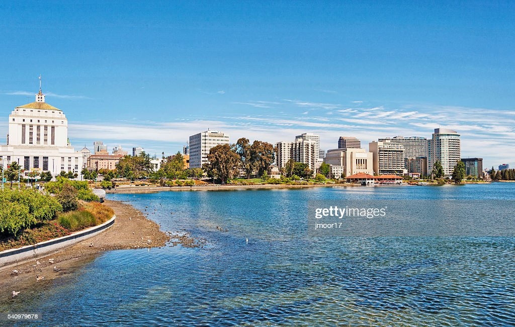 Lake Merritt Shore Line Views Downtown Oakland : Stock Photo