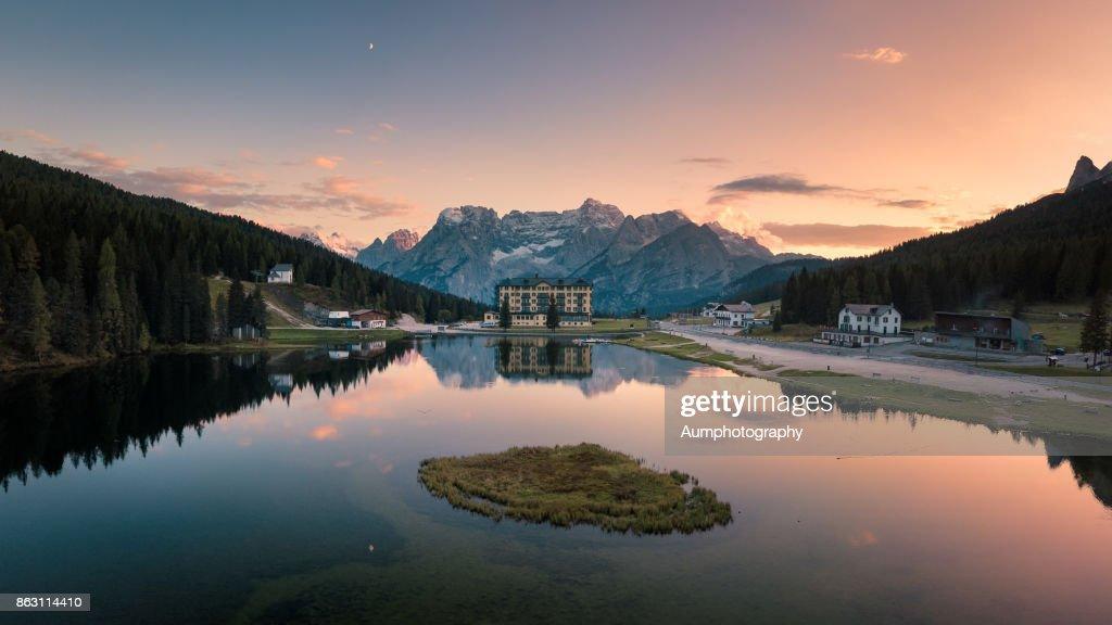 Lake Misurina in Dolomites , Italy : ストックフォト