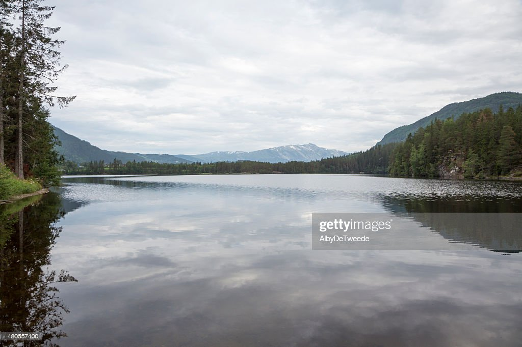 Lake Monsvatnet (Flatlandsmo, Voss, Norway) : Stock Photo