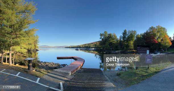 lake mooselookmeguntic in rangeley, maine usa - mooselookmeguntic lake - fotografias e filmes do acervo