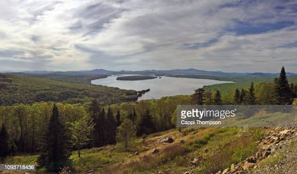 lake mooselookmeguntic near rangeley, maine usa during spring 2016 - mooselookmeguntic lake - fotografias e filmes do acervo