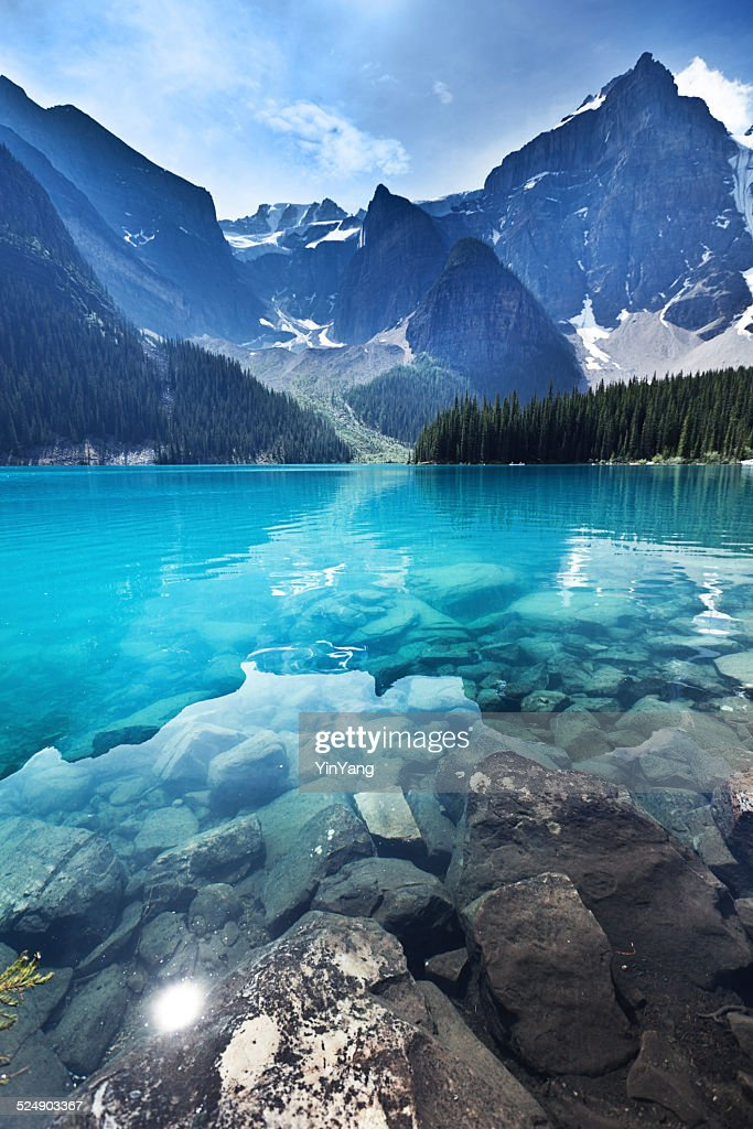 Lake Moraine, Banff National Park Emerald Water Landscape, Alberta, Canada : Stockfoto