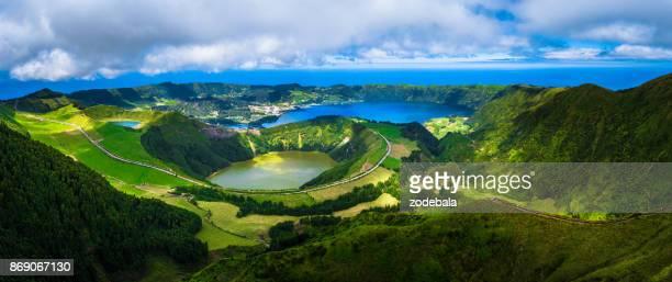 lago de sete cidades, azores, portugal - azores fotografías e imágenes de stock