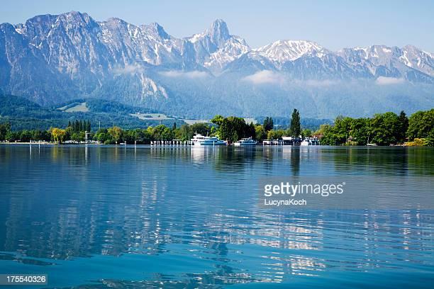 lake of thun und die schweizer alpen - lucyna koch stock-fotos und bilder