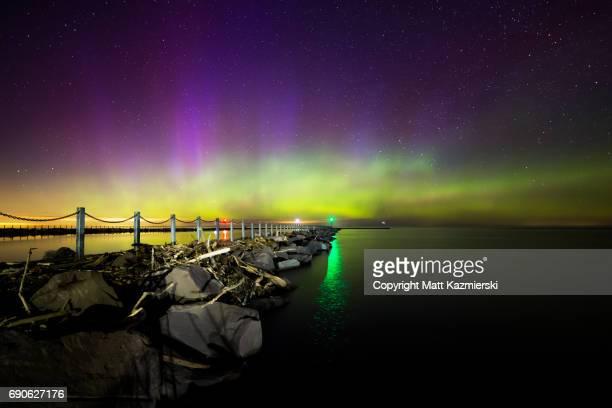 lake ontario northern lights - lake ontario stock pictures, royalty-free photos & images