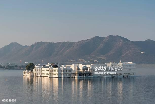 Lake Palace Hotel on Lake Pichola Udaipur Rajasthan India