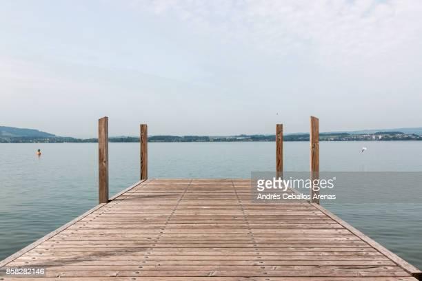 lake pier - molo foto e immagini stock