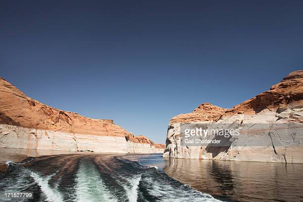 Lake Powell, boating around the bend