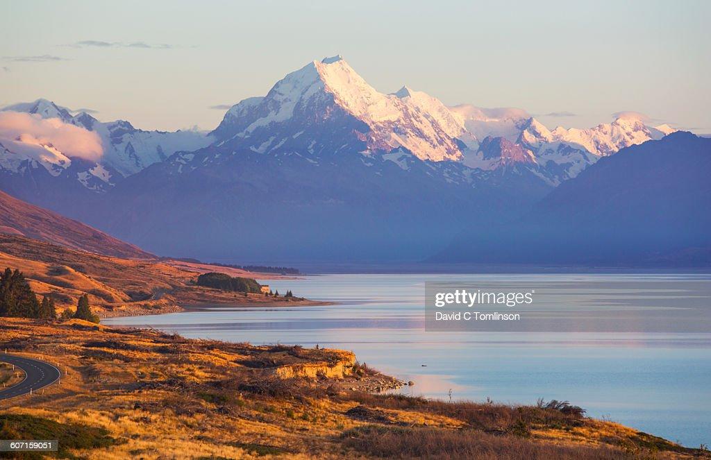 Lake Pukaki and Mount Cook, early morning, Twizel : Stock Photo