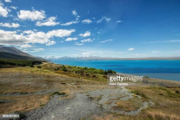 lake pukaki at south island of new zealand. - new zealand - fotografias e filmes do acervo