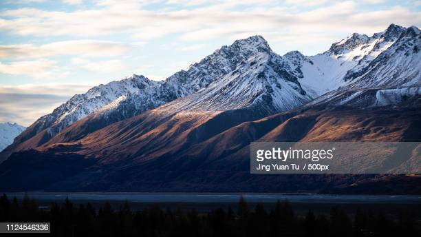 lake pukaki - mountain range stock pictures, royalty-free photos & images