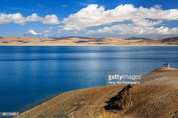 lake rakshastal and mt. kailash, ngari, tibet - mt kailash stock pictures, royalty-free photos & images