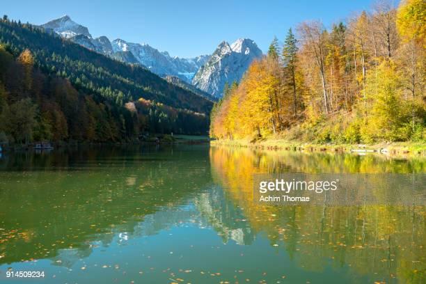 lake riessersee, bavaria, germany, europe - achim thomae stock-fotos und bilder