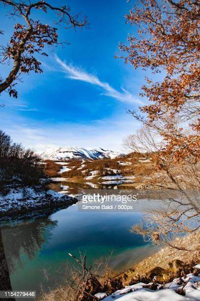 lake scandarello - アマトリーチェ ストックフォトと画像