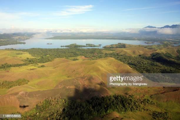 lake sentani district in papua - ciclope foto e immagini stock