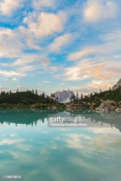 lake sorapis, dolomites, italy. - belluno stock pictures, royalty-free photos & images