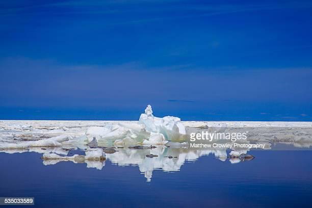 lake superior icebergs - parque estatal de porcupine mountains wilderness fotografías e imágenes de stock