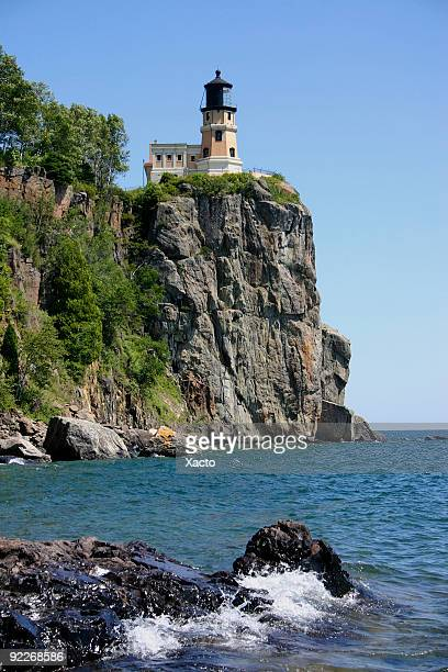 lake superior lighthouse - duluth minnesota stock pictures, royalty-free photos & images