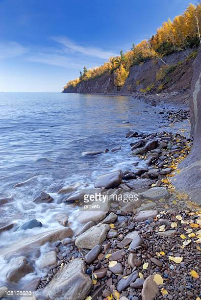 lake superior shoreline in autumn - great lakes stock pictures, royalty-free photos & images