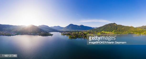 lake tegernsee at sunrise, left townsmall tegernsee, middle rottach-egern and wallberg, drone photo, upper bavaria, bavaria, germany - tegernsee stock pictures, royalty-free photos & images