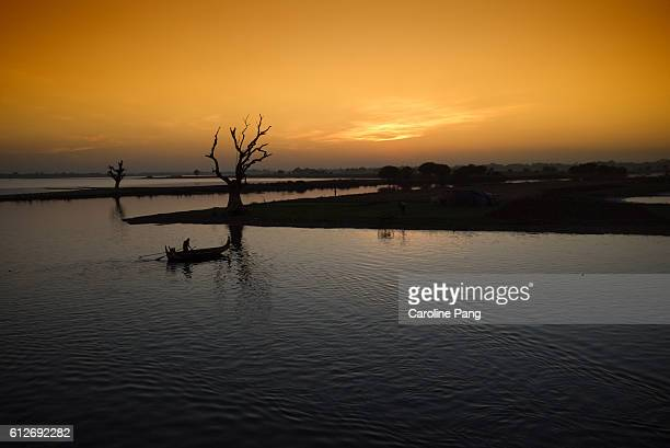 lake thaungthaman, myanmar - caroline pang stock pictures, royalty-free photos & images