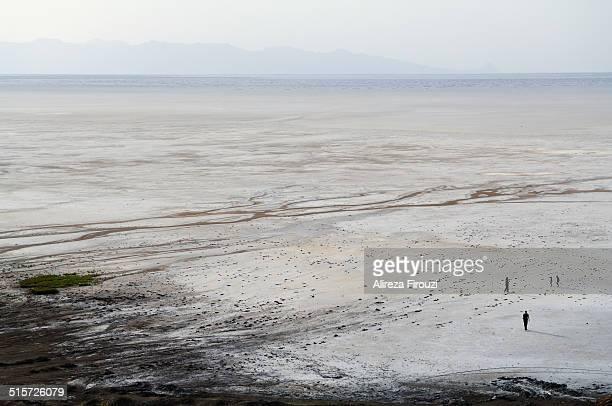 lake urmia - lake urmia foto e immagini stock