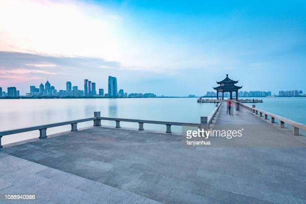 lake viewing platform - suzhou stock pictures, royalty-free photos & images