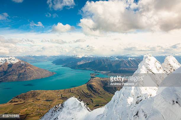 lake wakatipu seen from the remarkables range. - the remarkables stock-fotos und bilder