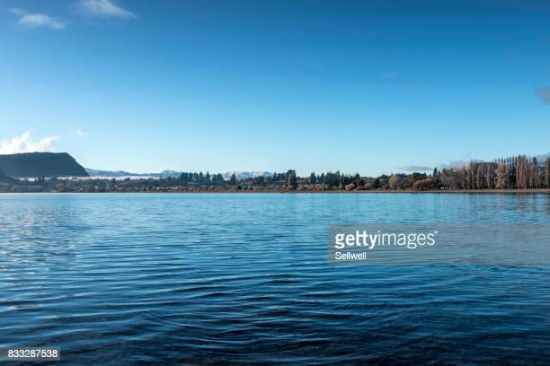 lake wanaka - water's edge stock pictures, royalty-free photos & images