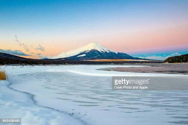 Lake Yamanaka Snowscape