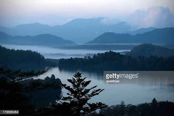 lake yunoko background of the early morning - 栃木県 ストックフォトと画像