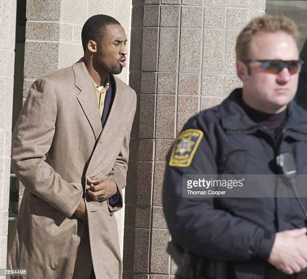 Lakers guard Kobe Bryant leaves the Eagle County Justice Center for lunch January 23 2004 in Eagle Colorado Bryant has been accused of sexual assault...