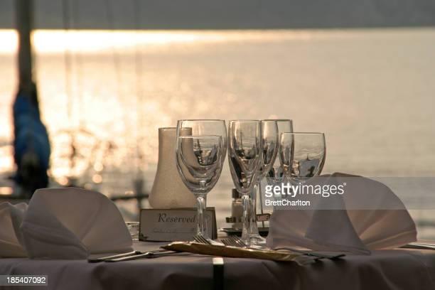 湖畔のディナー