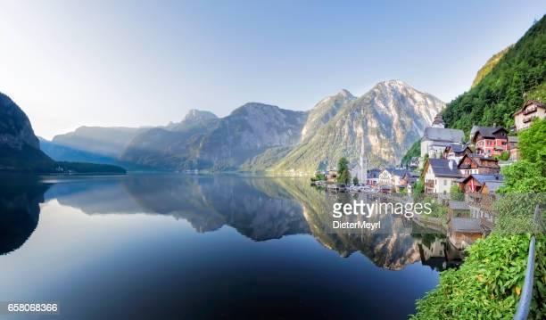 Lakeside Village of Hallstatt in Österreich