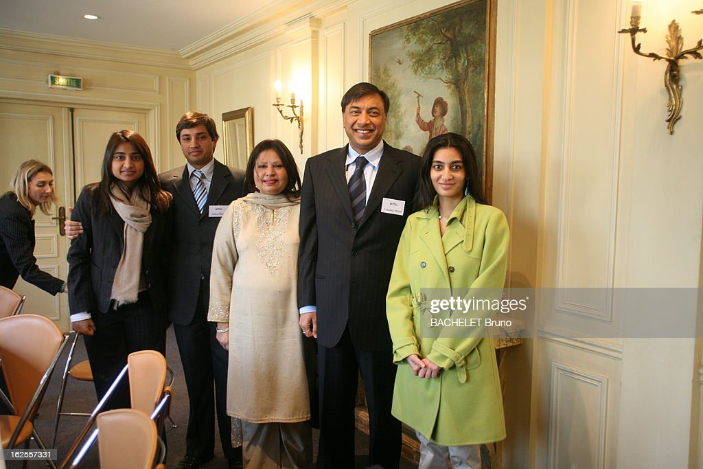 Lakshmi Mittal With Family In Paris