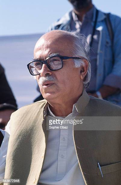 Lal Krishna Advani canvasses for votes as representative of the Bharatiya Janata Party during India's 1989 election campaign