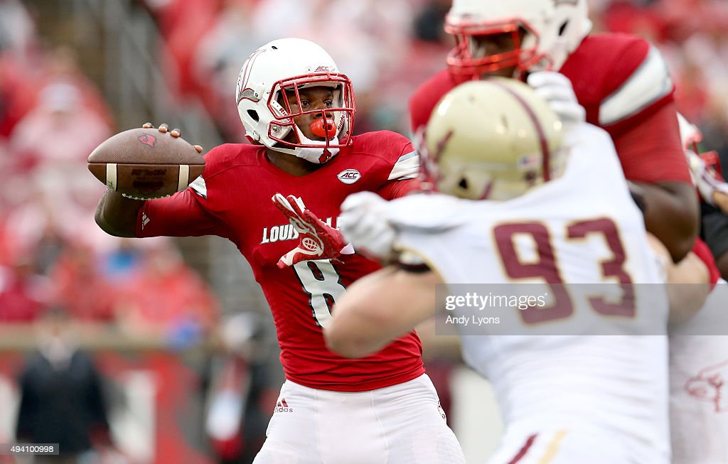 Lamar Jackson #8 of the Louisville Cardinals throws a pass against the Boston College Eagles at Papa John's Cardinal Stadium on October 24, 2015 in Louisville, Kentucky.