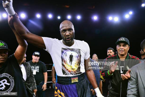 Lamar Odom and trainer Milton Lacroix during the Heavyweight main event at the Celebrity Boxing Miami 2021 Lamar Odom vs Ojani Noa at the James L....