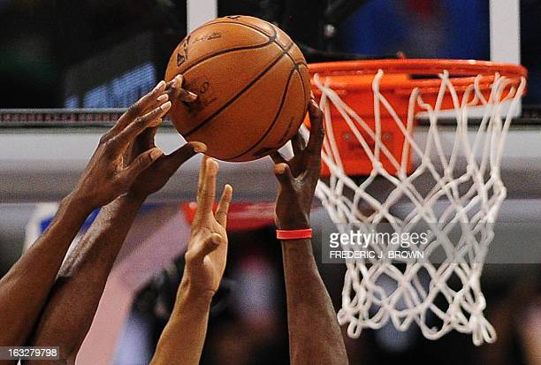Lamar Odom of the Los Angeles Clippers gains the advantage beside the basket against the Milwaukee Bucks during their NBA game in Los Angeles...