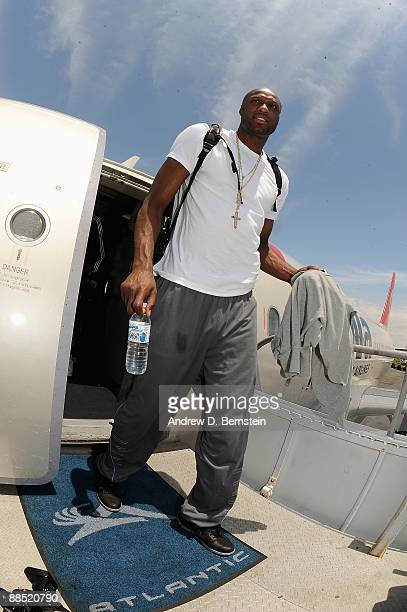 Lamar Odom of the Los Angeles Lakers arrives at LAX on June 15 2009 in Los Angeles California after the Lakers defeated the Orlando Magic in the NBA...