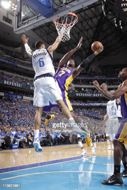 Lamar Odom of the Los Angeles Lakers shoots against Tyson Chandler of the Dallas Mavericks during Game Three of the Western Conference Semifinals in...