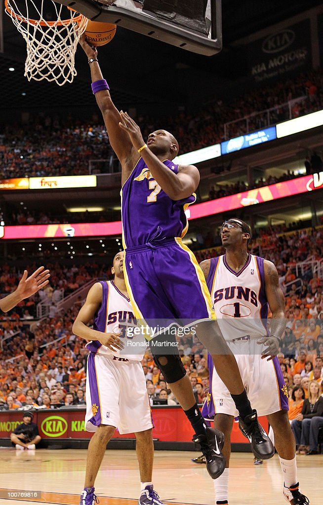 Lamar Odom #7 of the Los Angeles Lakers takes a shot against the Phoenix Suns in the first quarter of Game Four of the Western Conference Finals during the 2010 NBA Playoffs at US Airways Center on May 25, 2010 in Phoenix, Arizona.