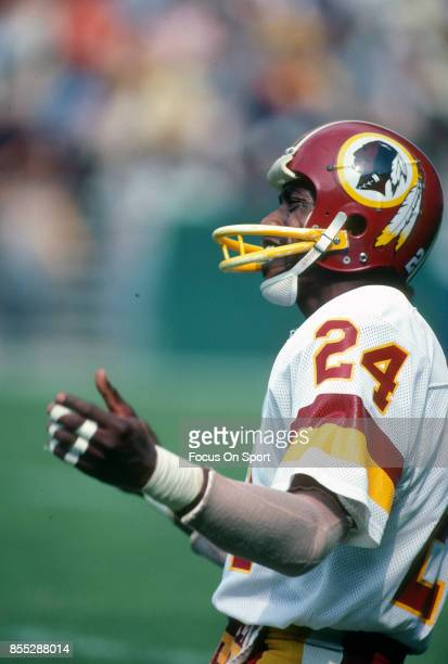 Lamar Parrish of the Washington Redskins reacts against the Dallas Cowboys during an NFL football game September 6 1981 at RFK Stadium in Washington...