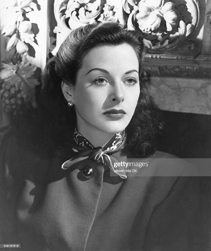 Lamarr, Hedy - Actress, Austria *09.11.1914-19.01.2000+   - Portrait  - undated (around the early 40s)   - Published in: 'B.Z.'; 01.09.1955   Vintage property of ullstein bild : News Photo
