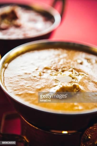 ラムカレー コーマ唐樋インド料理料理中。北インド料理