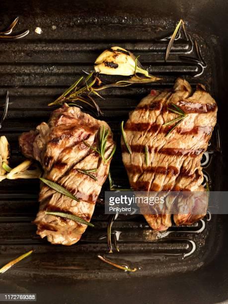 ラムロースチョップ、グリルカツ、グリルステーキ - コース料理 ストックフォトと画像