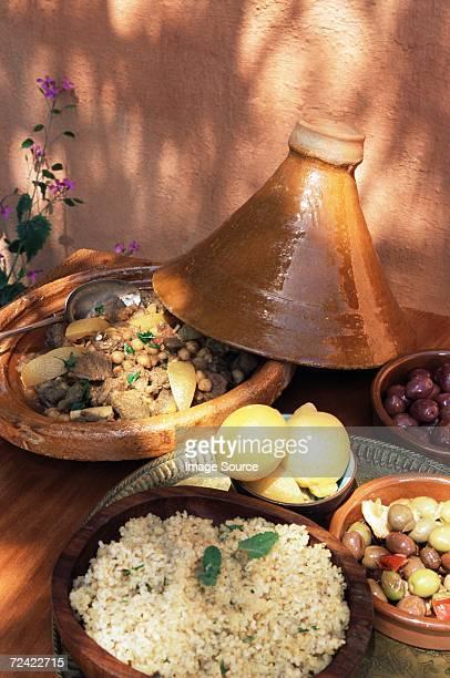 lamb stew in a tagine - cultura marroquí fotografías e imágenes de stock