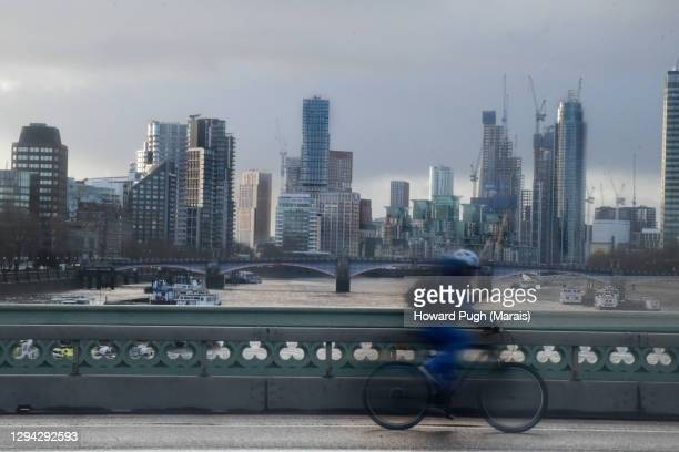 lambeth and vauxhall viewed from westminster bridge - howard pugh stock pictures, royalty-free photos & images